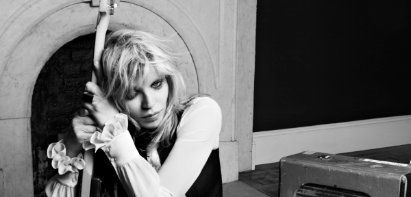 Courtney Love publicó nuevo single, «You Know My Name» (audio)