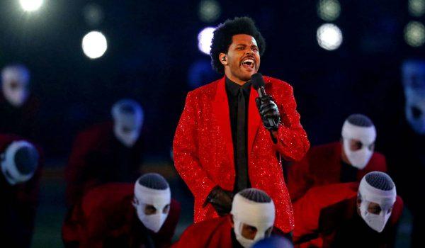 The Weeknd se presenta en el show de medio tiempo del Super Bowl LV (Video)