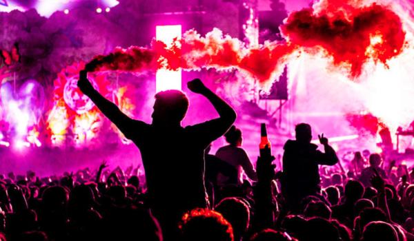 Festivales regresarían a mediados de año a UK y Estados Unidos