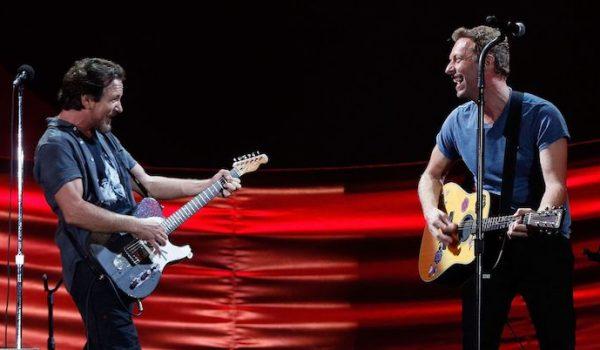 Coldplay rinde homenaje a Pearl Jam interprentando el tema: «Nothingman» (Video)